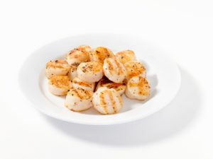 Atlantic Sea Scallops cooked on a plate3